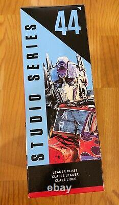 Optimus Prime Studio Series 44 Leader Class Transformers Dark of the Moon