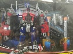 Transformers DOTM Dark Of The Moon Leader Class Jetwing Optimus Prime