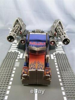 Transformers Takara Striker Optimus Prime DA-28 Dark of the Moon Authentic New