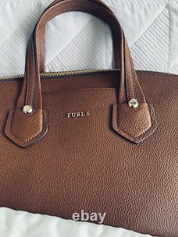 Furla Dark Tan/ Brown Quality Leather Handbag Avec Bandoulière Amovible