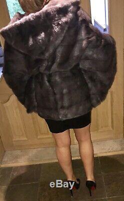 La Plus Haute Qualité Véritable Manteau De Vison Cape Style Avec Capuche Et Ceinture Gris Foncé Taille