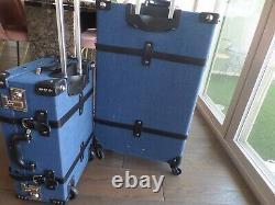 Nouvel Extérieur En Linge Bleu Foncé Steamline Continuer Et Vérifier I N Ensemble De Bagages