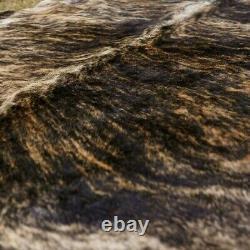 Real Cowhide Rug, Exotique Brindle Foncée, Qualité Supérieure, Grande Taille, Taille 6 Sur 7 Pieds