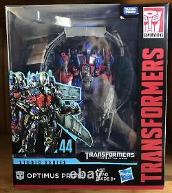 Transformateurs Série Studio 44 Cachée De La Lune Dotm Optimus Prime Chef Misb